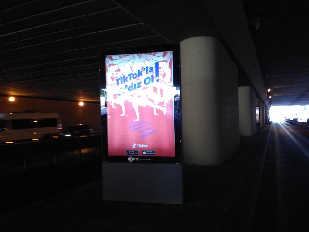 TikTok Metrobus Stations - Outdoor Marketing