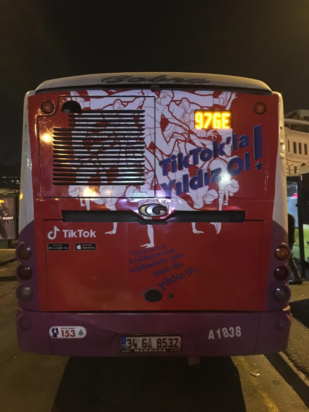 TikTok Bus Superback - Outdoor Marketing